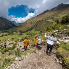 salkantay-humantay-visit-south-america-people